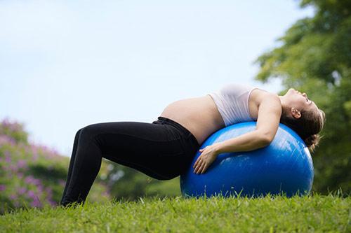 Bóng tập Yoga - Gym thích hợp với bà bầu, trẻ em,..