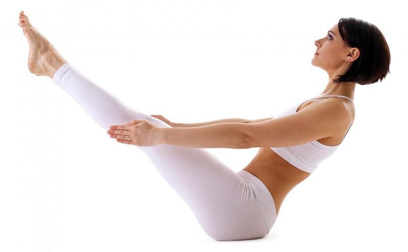 4 tư thế Yoga cho vòng eo gợi cảm