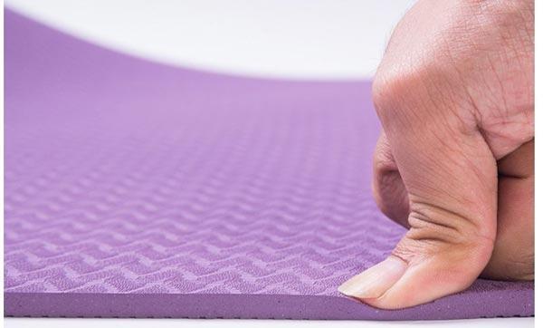 Thảm tập Yoga đàn hồi tốt