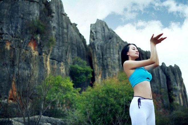 Vẻ đẹp của mỹ nữ Yoga Trung Quốc Mu Qi Mi Ya (Mẫu Kỳ Di Nhã)