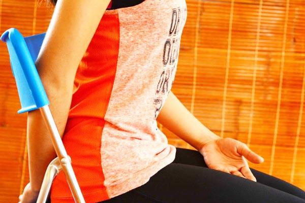 6 bài tập yoga giảm mệt mỏi, căng thẳng cho giới văn phòng - hít thở bằng bụng 2