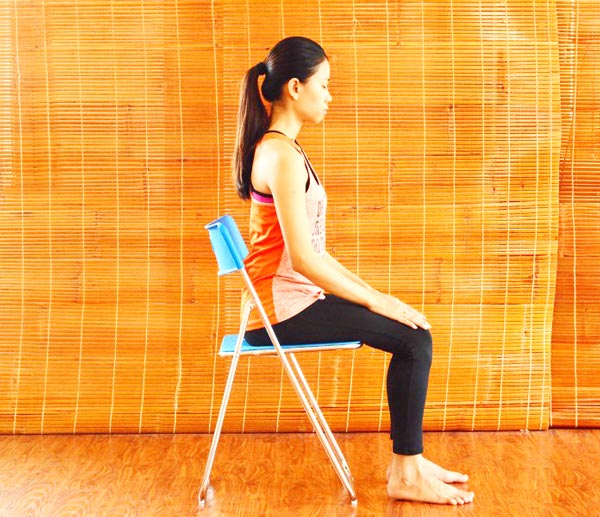 6 bài tập yoga giảm mệt mỏi, căng thẳng cho giới văn phòng - mở rộng lồng ngực 1