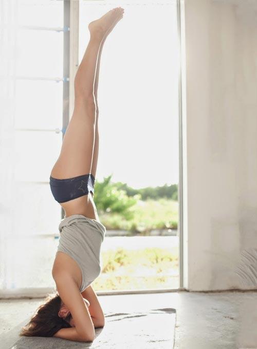 Tư thế yoga trồng cây chuối